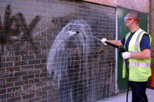 graffiti removal in arlington heights